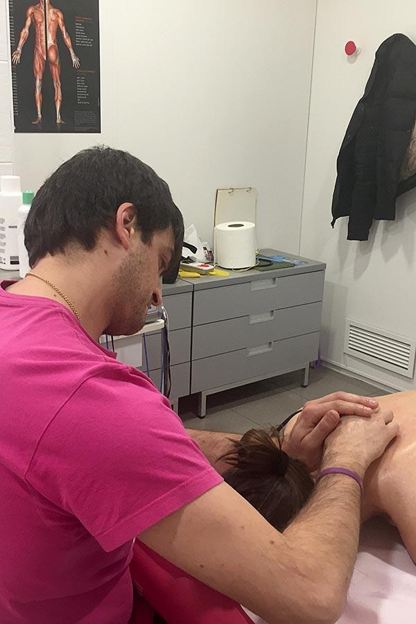 Genoves II en sesión de fisioterapia deportiva