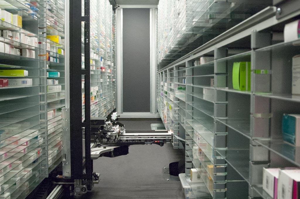 Robot distribución de medicamentosen farmacia 24 h